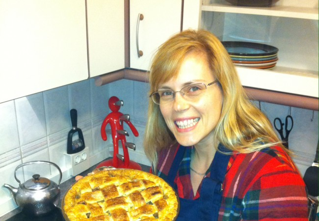 Emily Newton backt: American Apple Pie