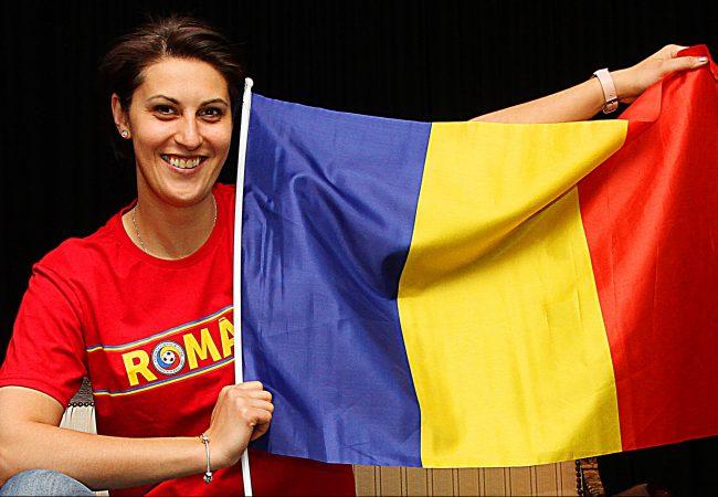 Das Dortmunder Opernhaus im Bann des Fußballs I: Ileana Mateescu